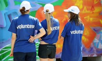 Volunteer programs. Summer 2015.